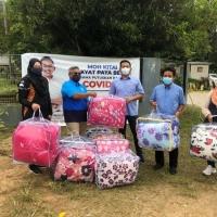 Misi penyerahan bantuan bencana banjir bersama YB Shahar Abdullah, Timbalan Menteri Kewangan II / Ahli Parlimen Paya Besar