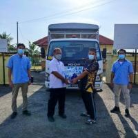 Program Bantuan Air Minuman dikawasan Yang Terjejas Akibat Paip Pecah Di Terengganu